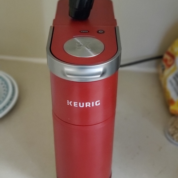 Keurig mini Red with reusable coffee filter